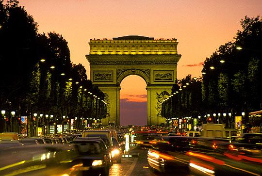 Тріумфальна арка в Парижі