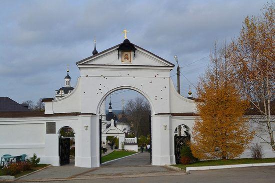 Микільський Черноострівський монастир. Врата, побиті картеччю