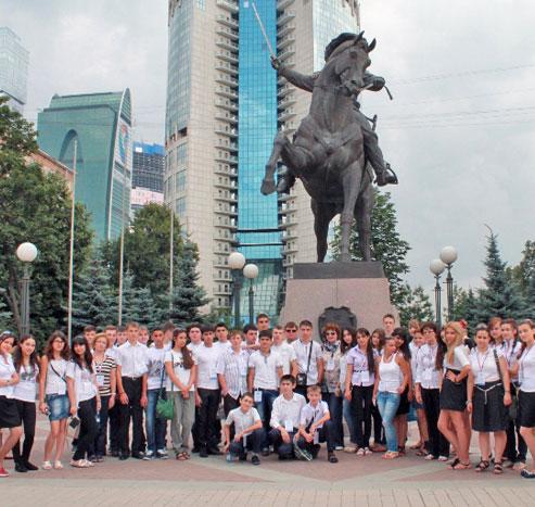 Азербайджанські школярі відвідали місця бойової слави 1812 року
