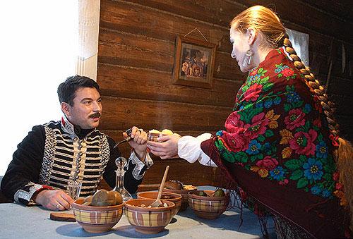 Дороніно. Обід офіцера Олександрійського гусарського полку