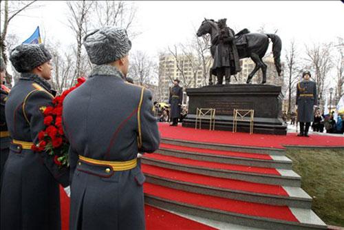 У Москві відкрили пам'ятник козачому отаману Платову